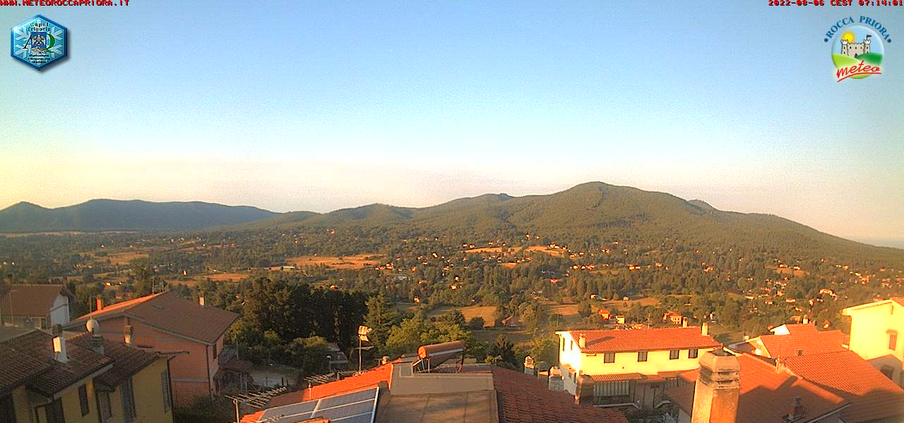 http://www.meteoroccapriora.it/webcam/webcam.jpg